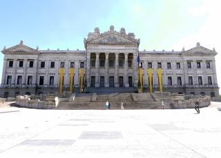 ウルグアイ国会議事堂.jpg